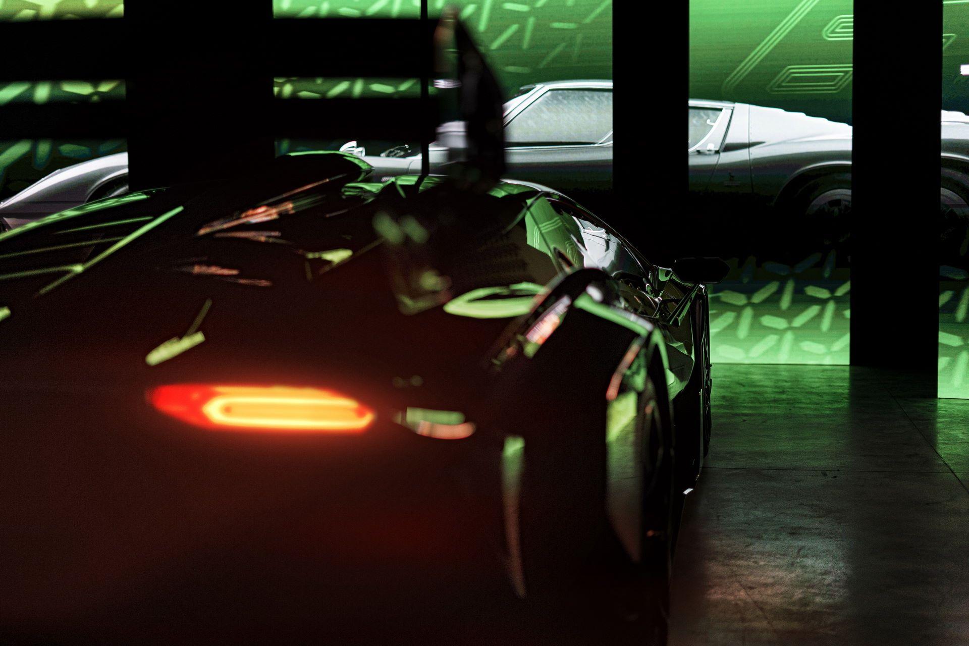 Lamborghini-Essenza-SCV12-15