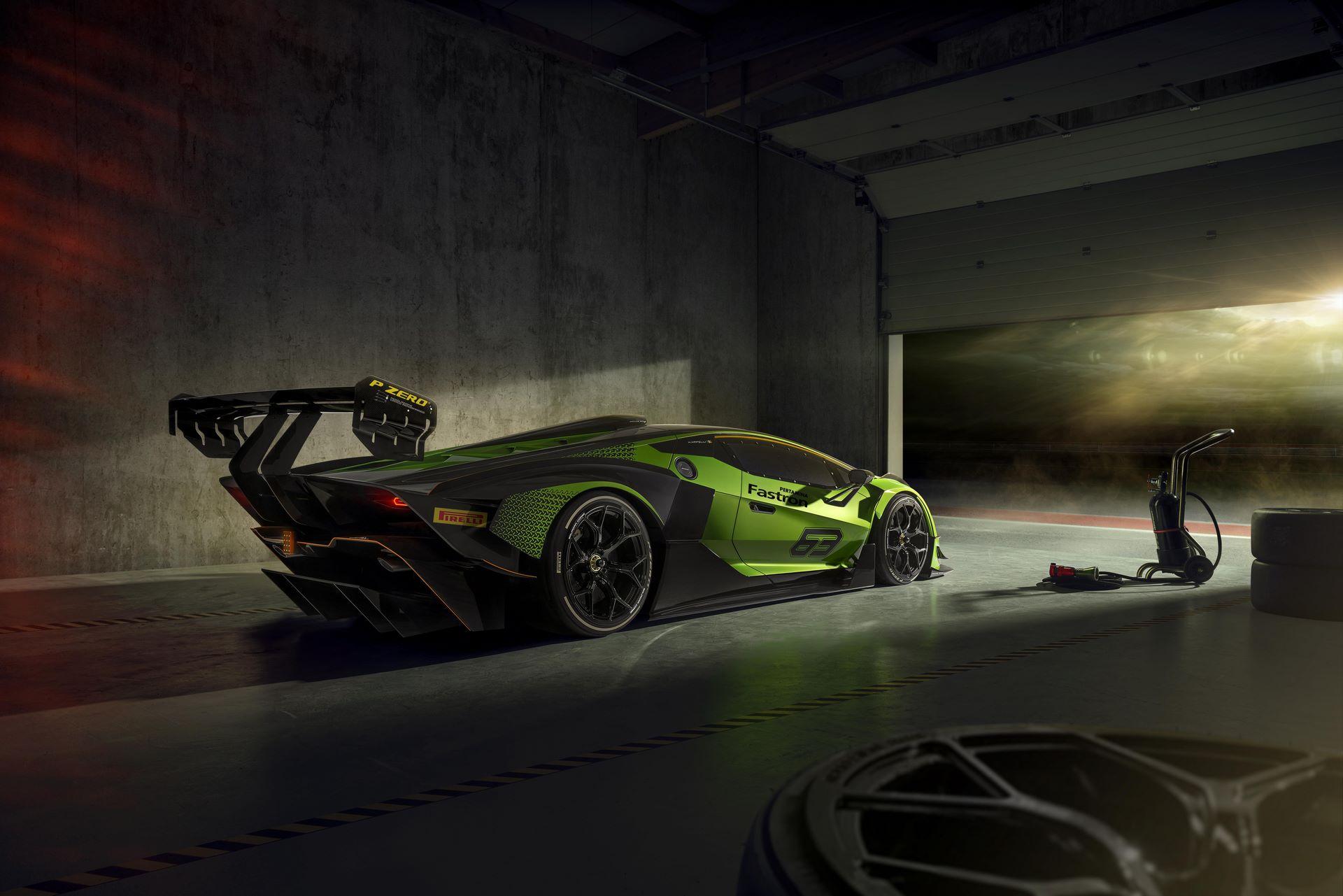 Lamborghini-Essenza-SCV12-31