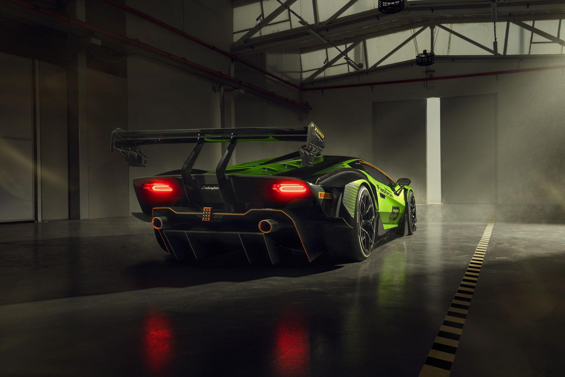 Lamborghini-Essenza-SCV12-33