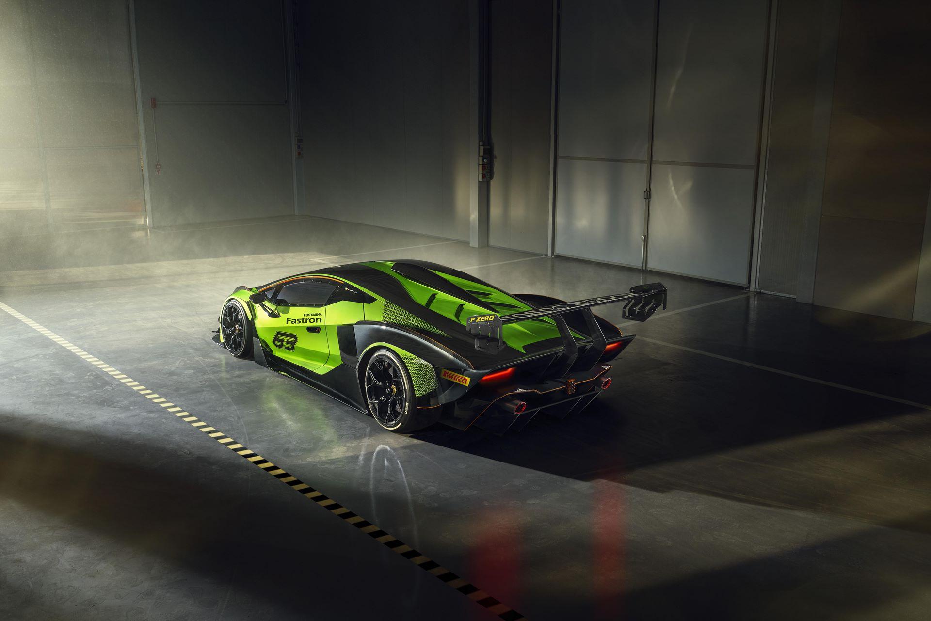 Lamborghini-Essenza-SCV12-35