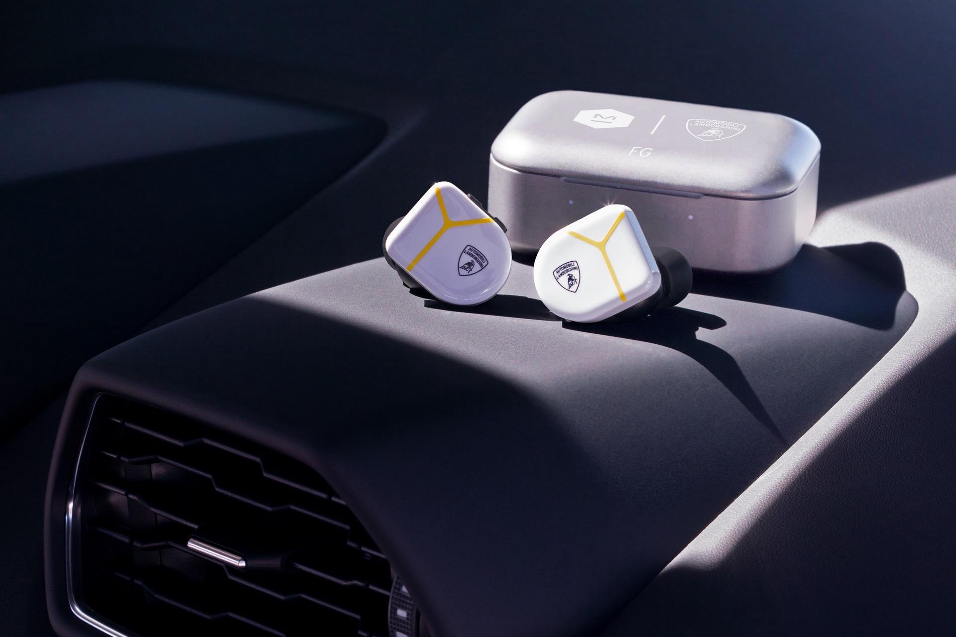 lamborghini-master-dynamic-wireless-headphones-earphones-2