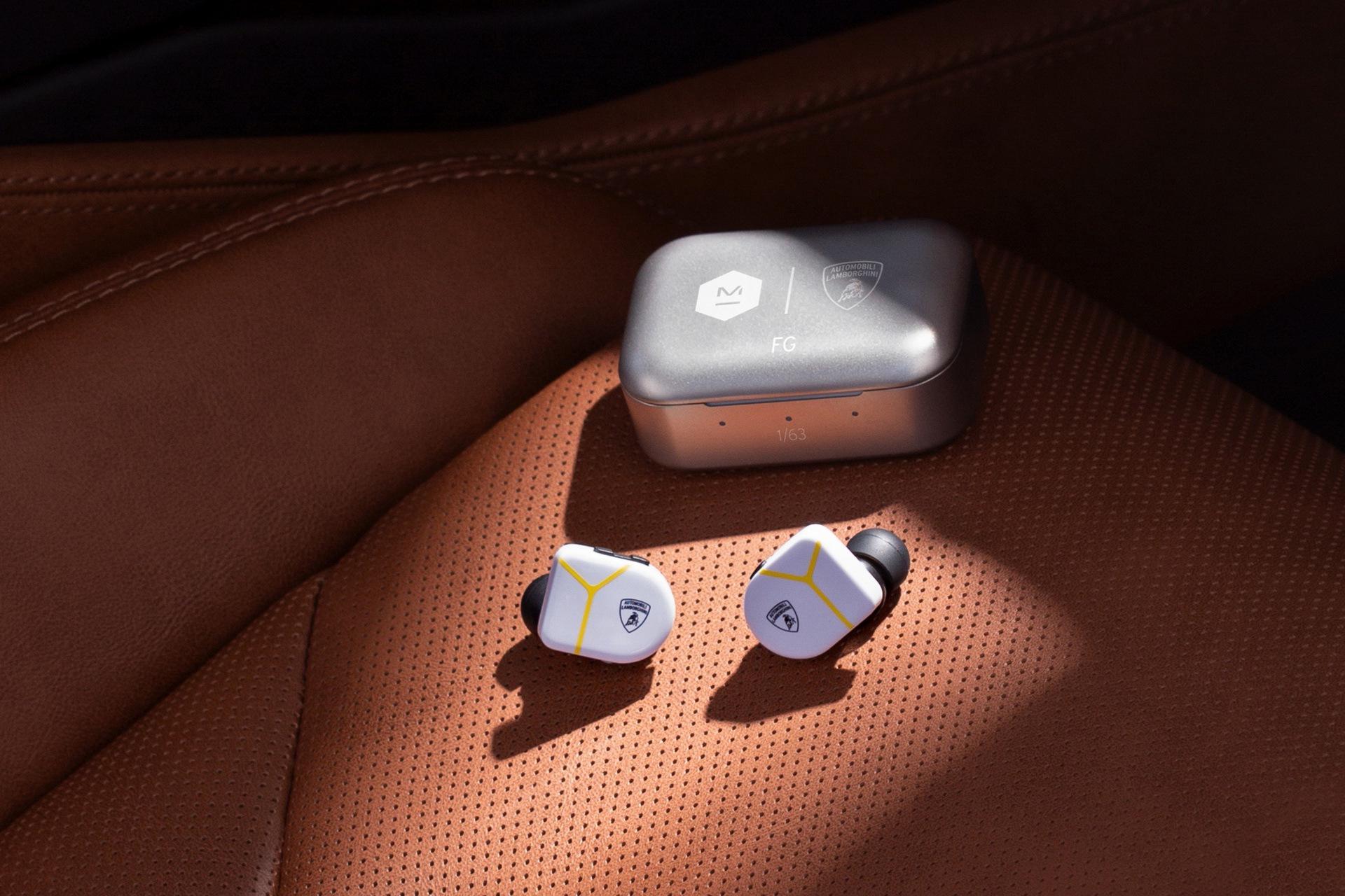 lamborghini-master-dynamic-wireless-headphones-earphones-4