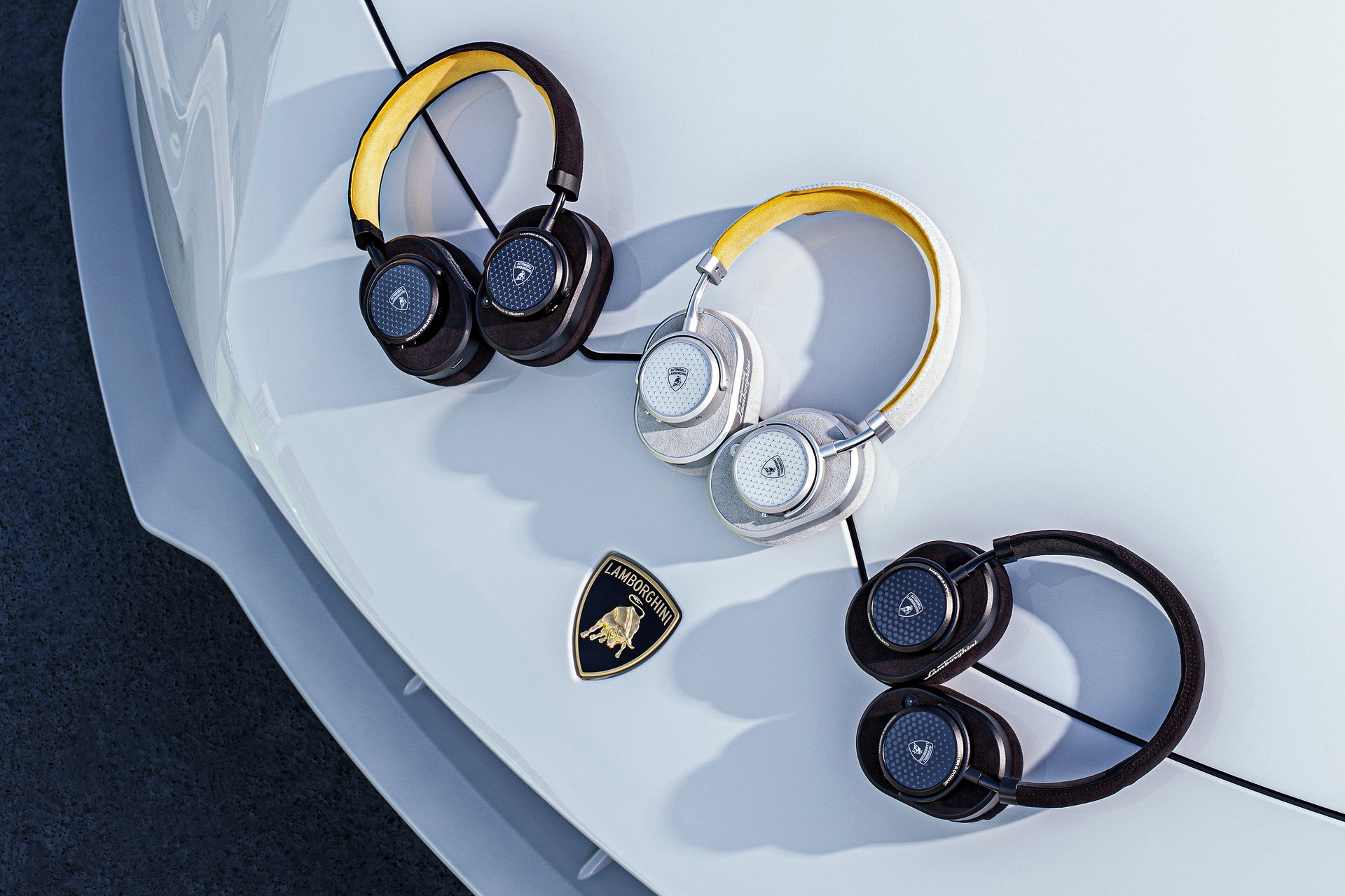 lamborghini-master-dynamic-wireless-headphones-earphones-7