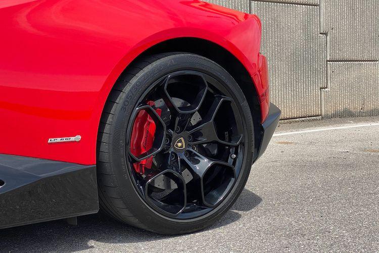 Lamborghini-Huracan-2015-for-sale-13