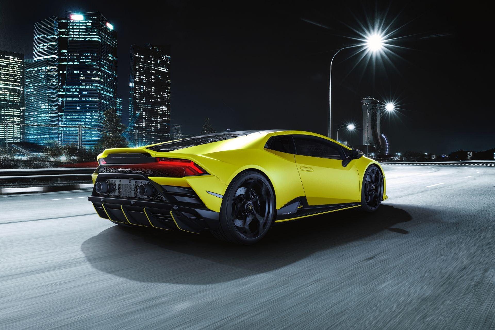 Lamborghini-Huracan-Evo-Fluo-Capsule-2