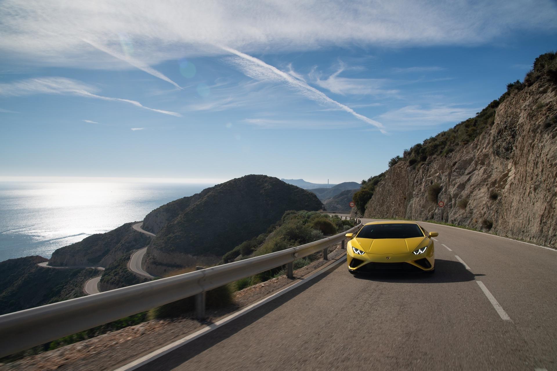 Lamborghini_Huracan_Evo_RWD_0007