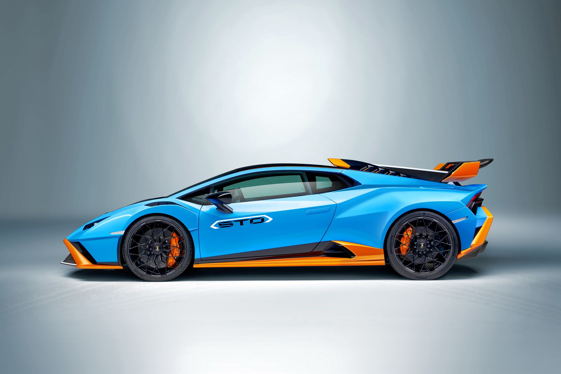 Lamborghini-Huracan-STO-2021-33