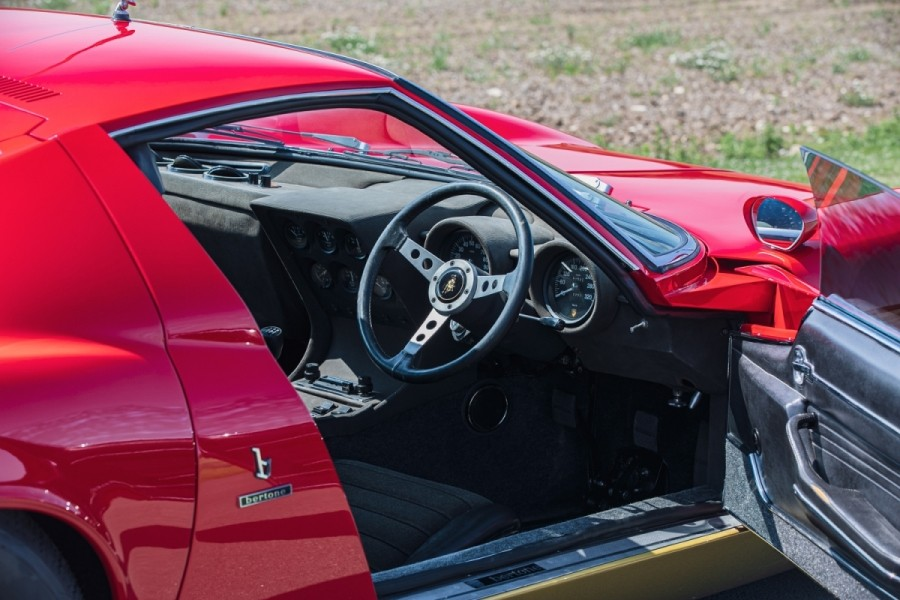 Lamborghini-Miura-SV-RHD-auction-12