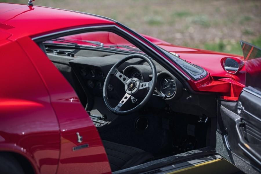 Lamborghini-Miura-SV-RHD-auction-13