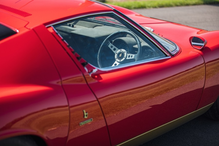 Lamborghini-Miura-SV-RHD-auction-14