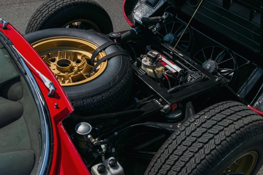 Lamborghini-Miura-SV-RHD-auction-18