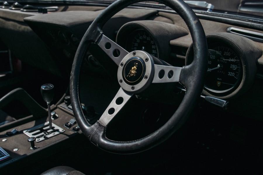 Lamborghini-Miura-SV-RHD-auction-20