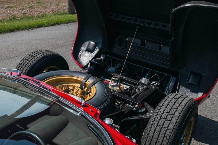 Lamborghini-Miura-SV-RHD-auction-21