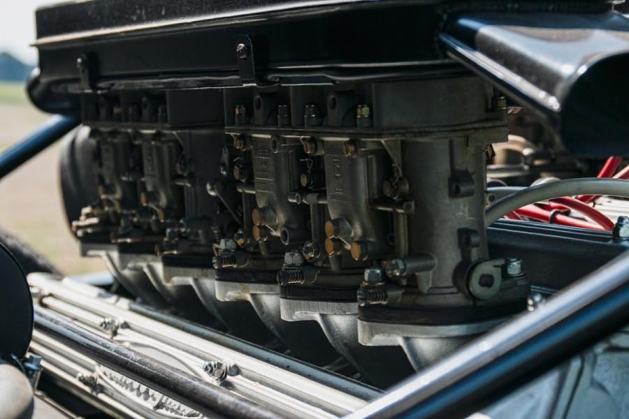 Lamborghini-Miura-SV-RHD-auction-23