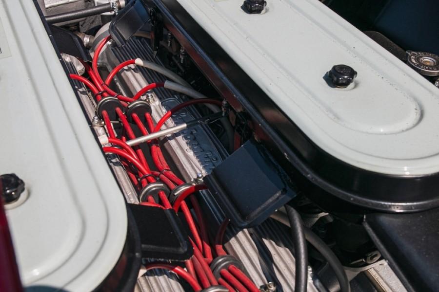 Lamborghini-Miura-SV-RHD-auction-25