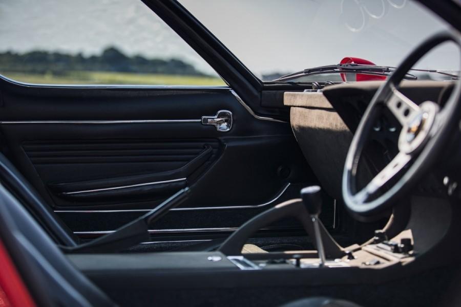 Lamborghini-Miura-SV-RHD-auction-30