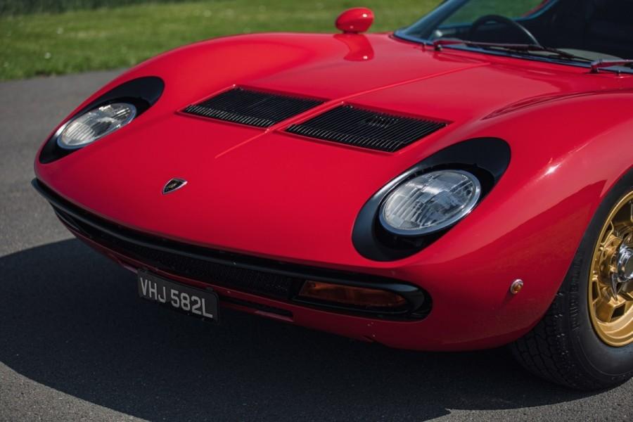 Lamborghini-Miura-SV-RHD-auction-9