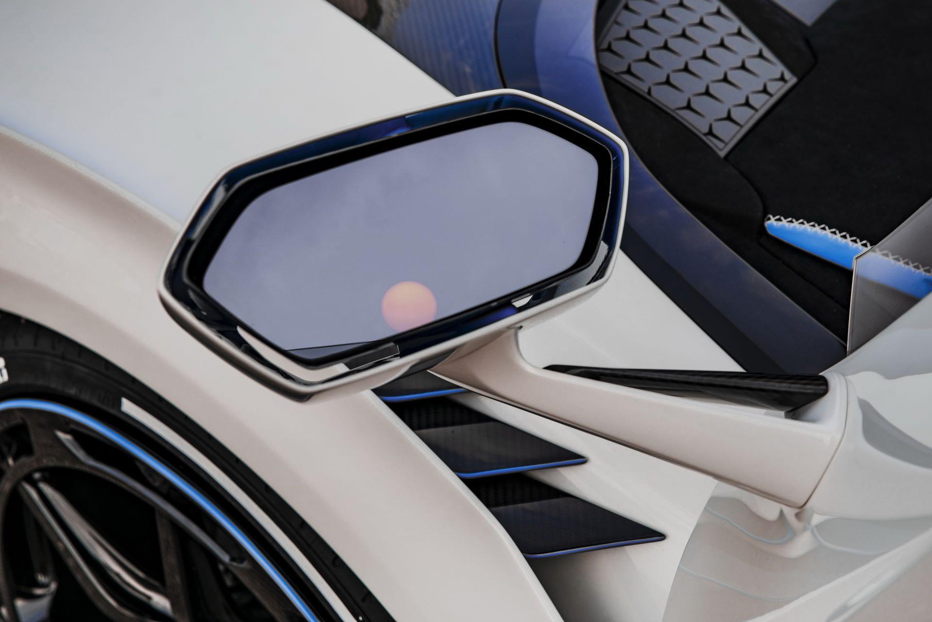 Lamborghini-SC20-12