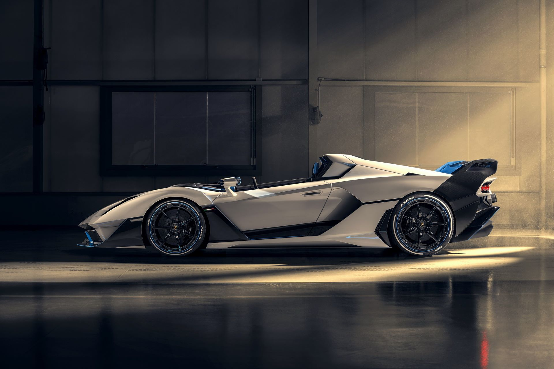 Lamborghini-SC20-4