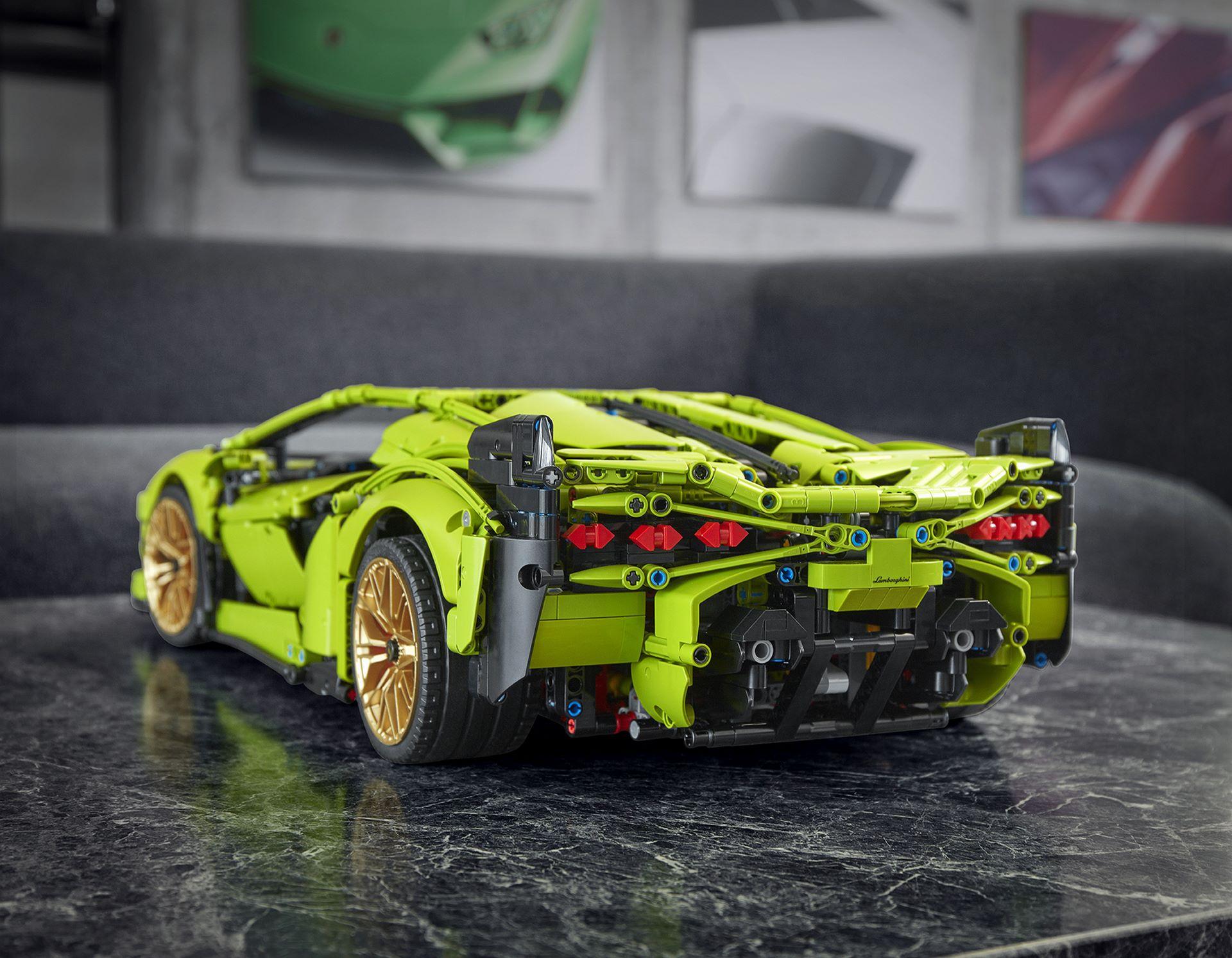 Lamborghini-Sian-FKP-37-Lego-Technic-1
