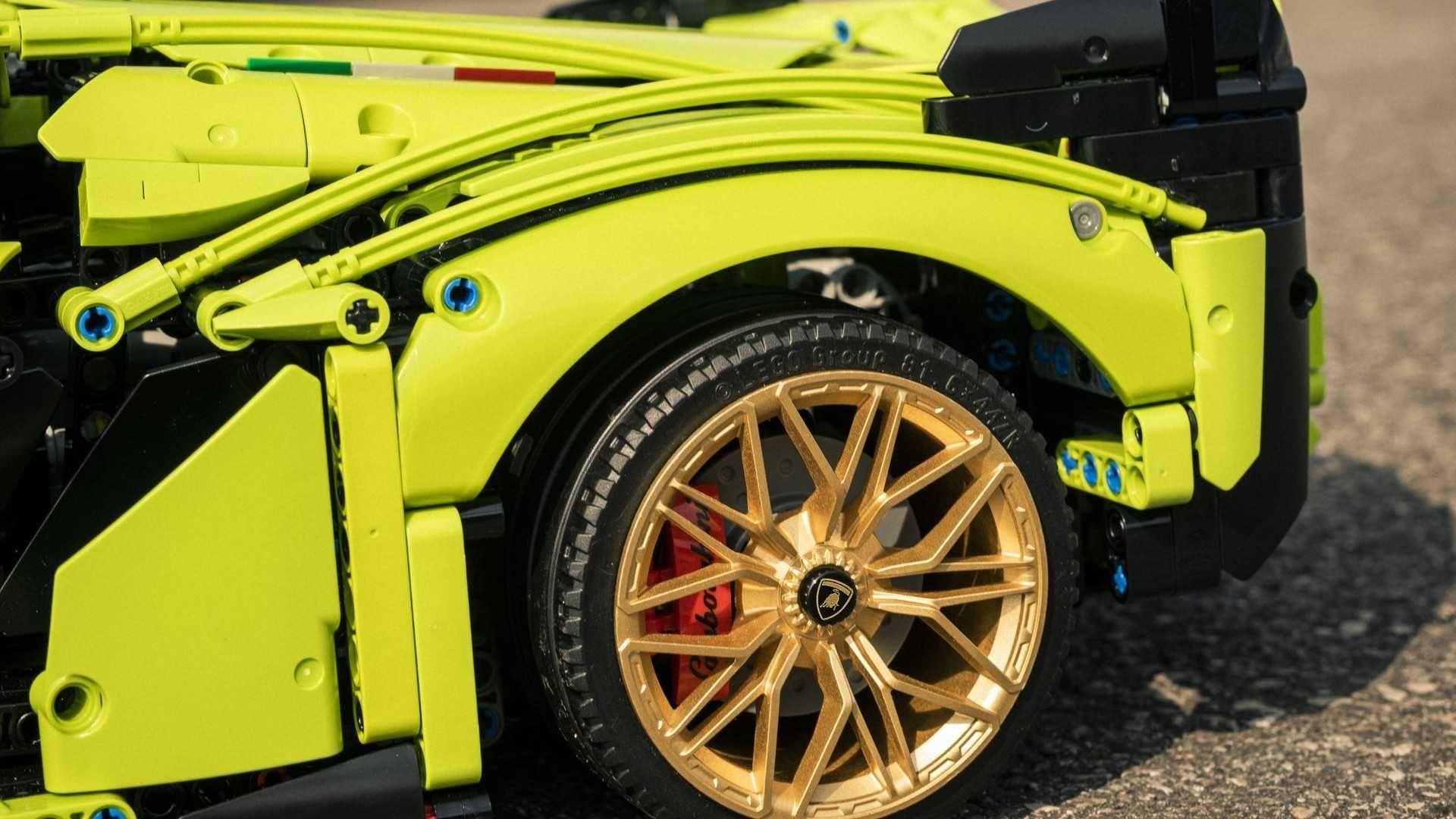 Lamborghini-Sian-FKP-37-Lego-Technic-15