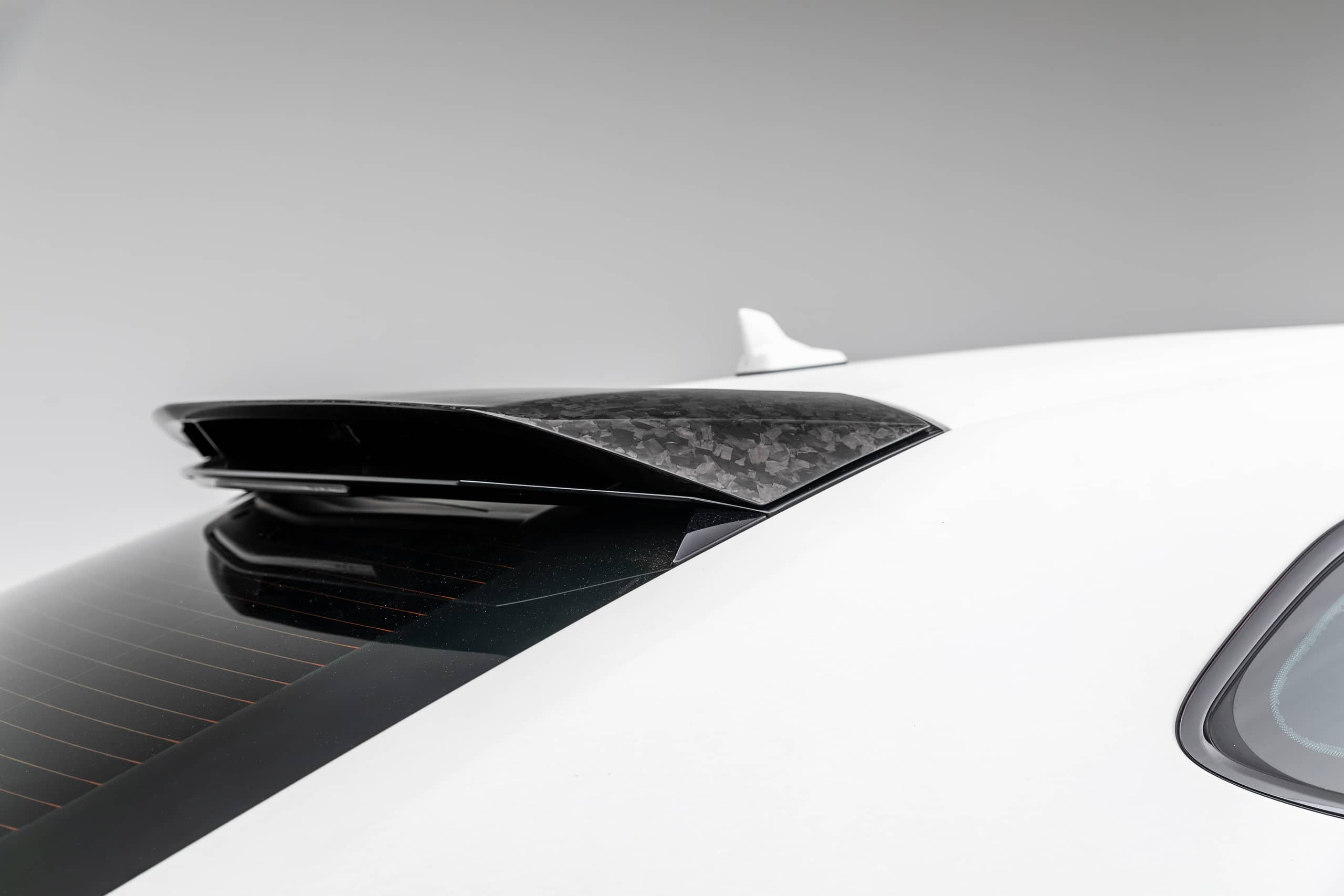 Lamborghini-Urus-by-1016-Industries-24