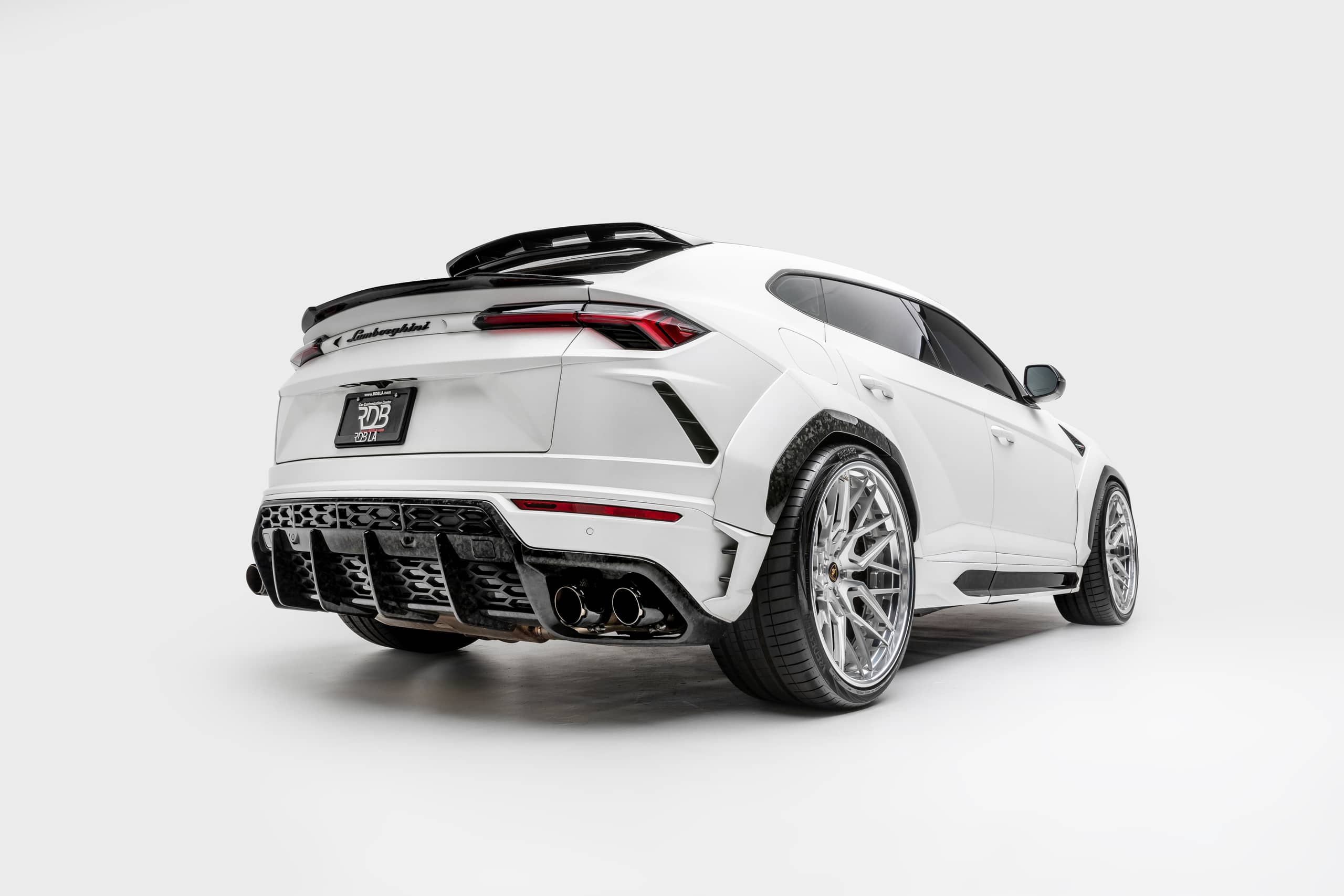 Lamborghini-Urus-by-1016-Industries-8
