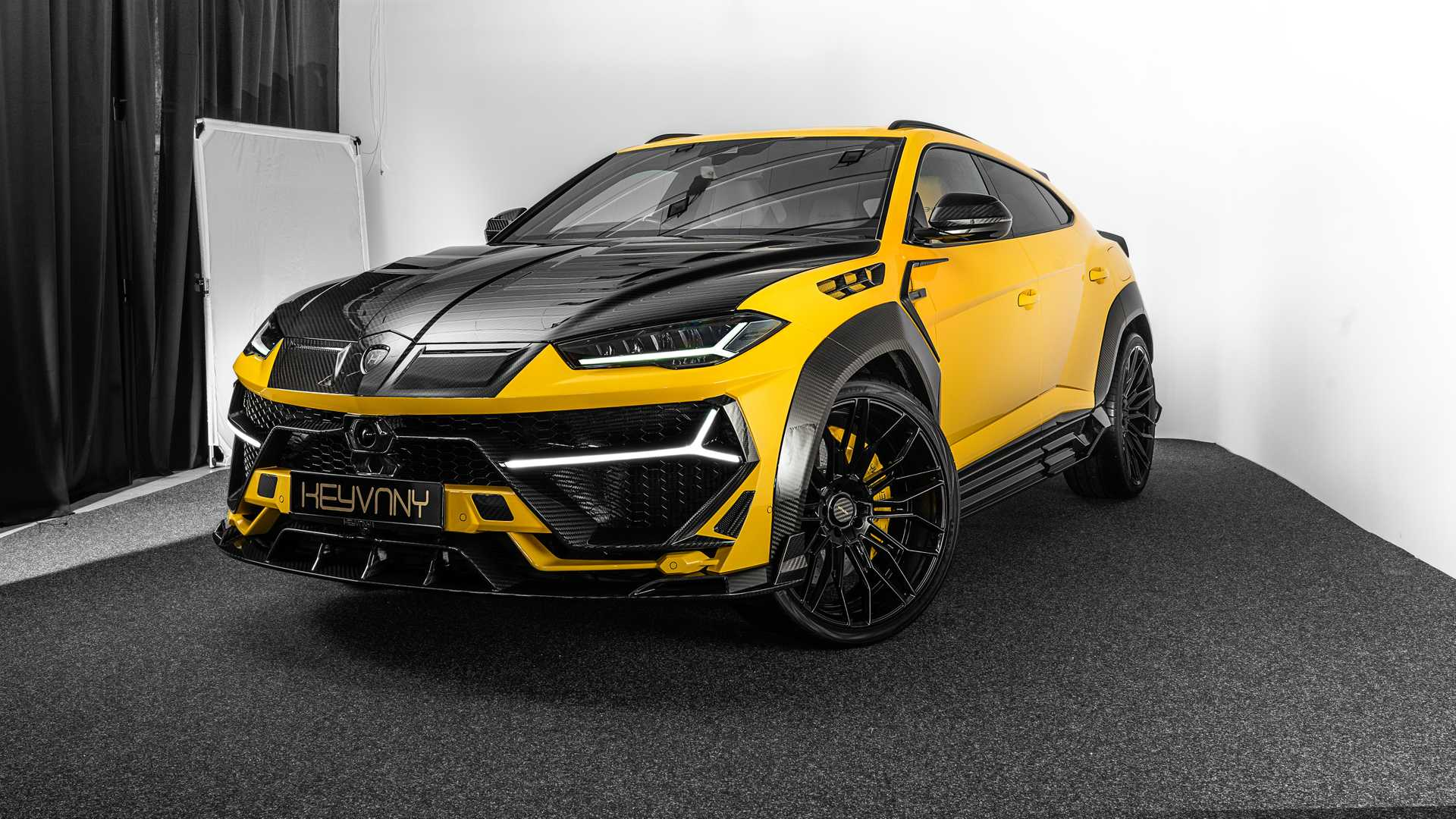 Lamborghini-Urus-by-Keyvany-1