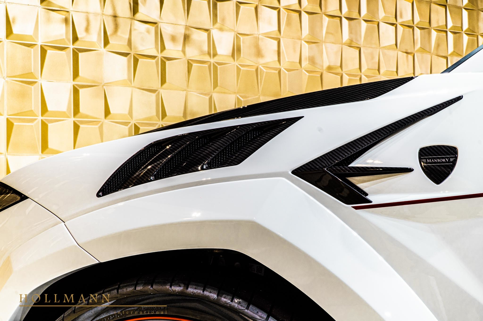 Lamborghini-Urus-by-Mansory-for-sale-26