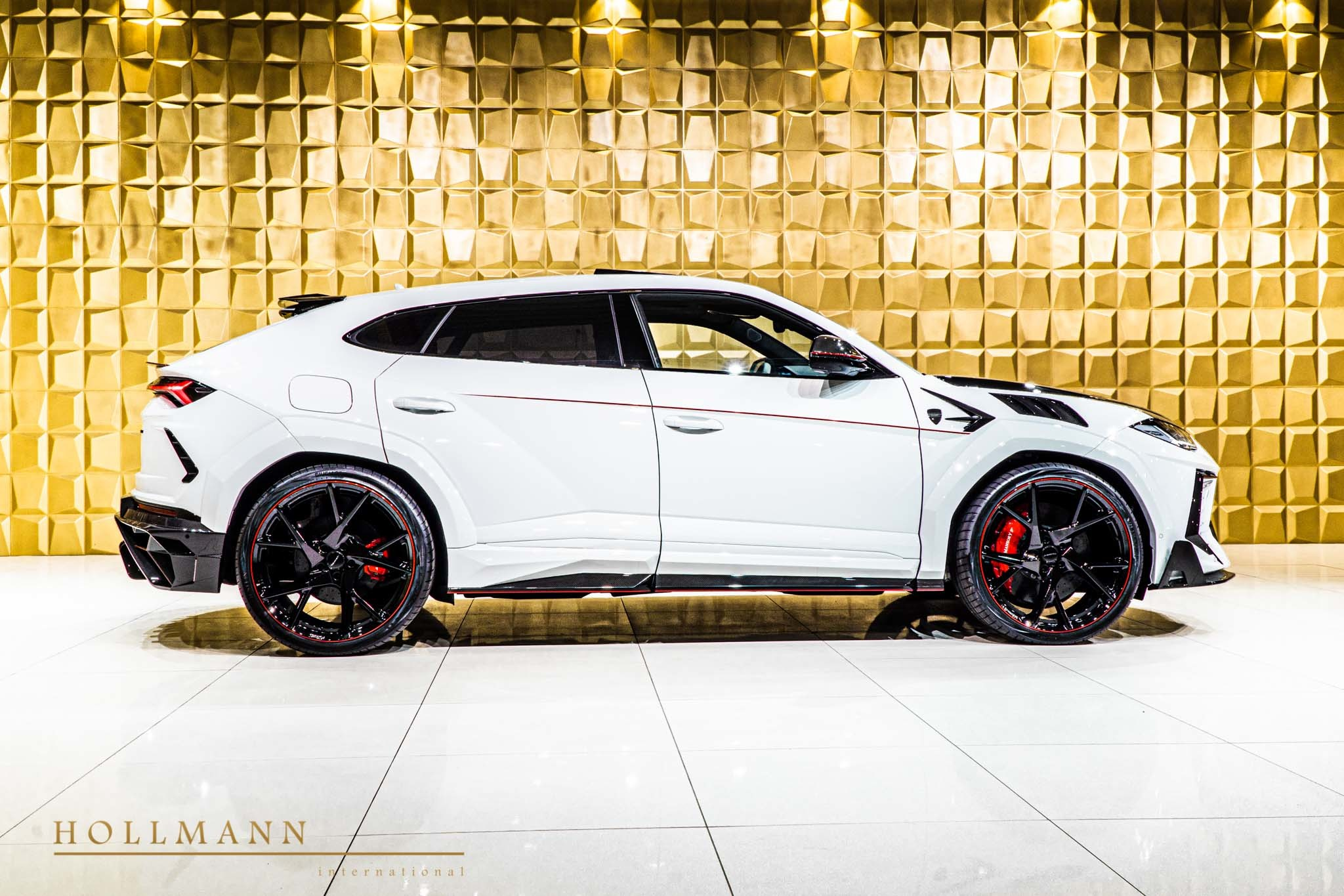 Lamborghini-Urus-by-Mansory-for-sale-3