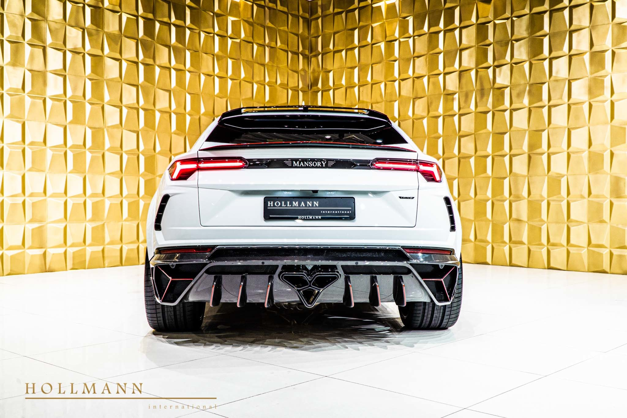 Lamborghini-Urus-by-Mansory-for-sale-6