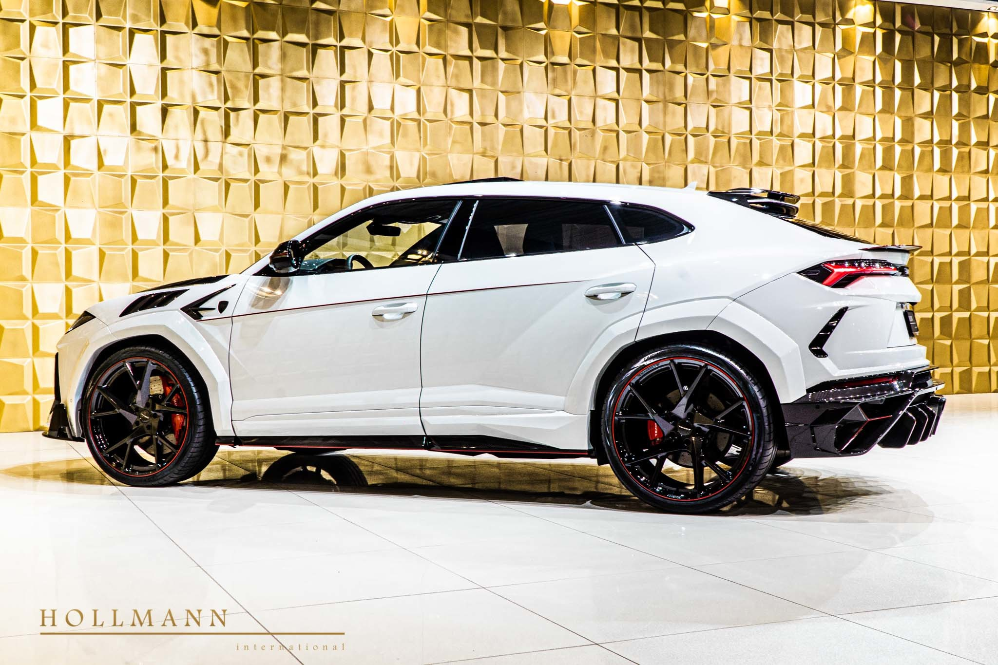 Lamborghini-Urus-by-Mansory-for-sale-7