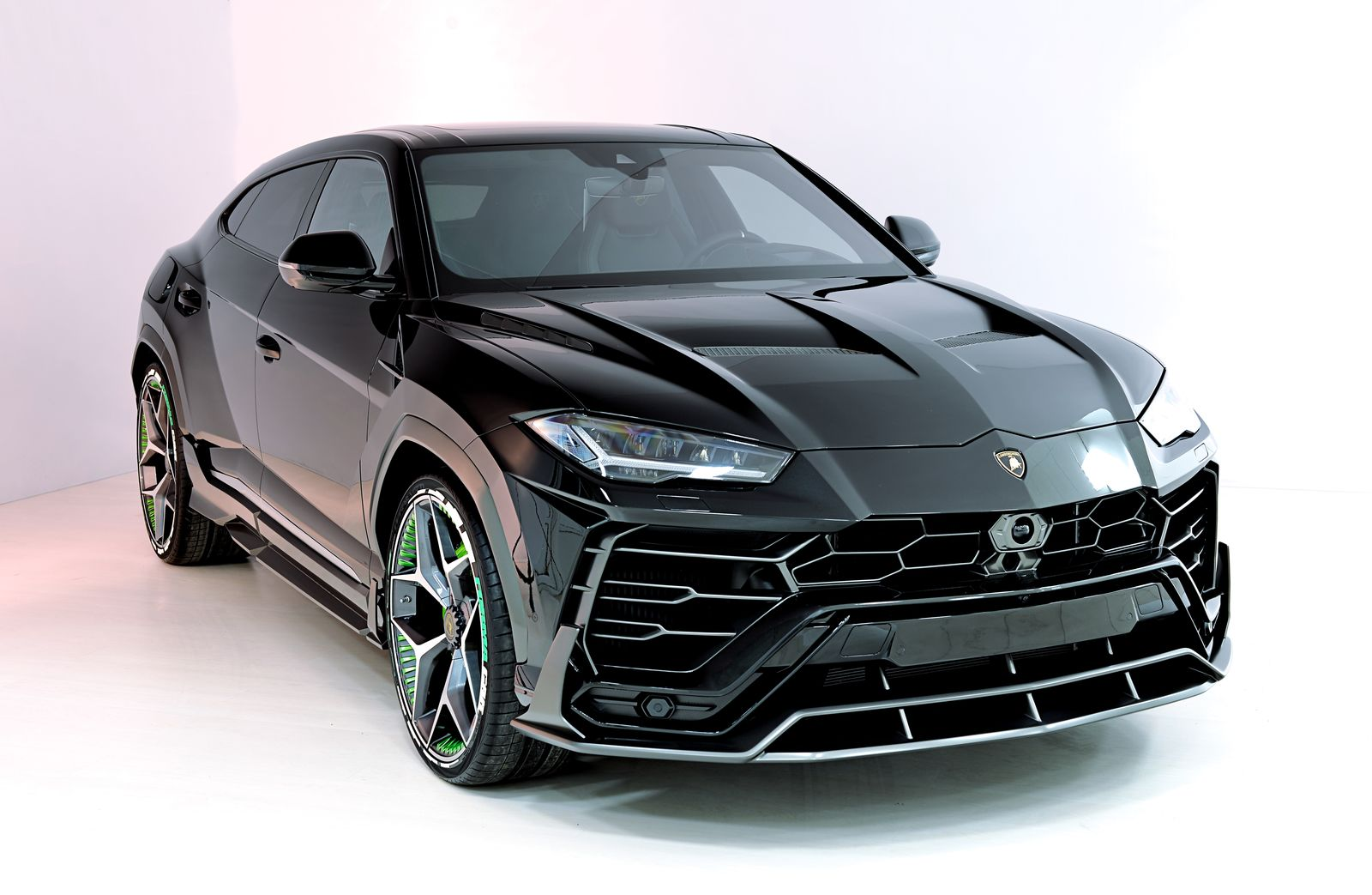 Lamborghini-Urus-by-SCL-Performance-1