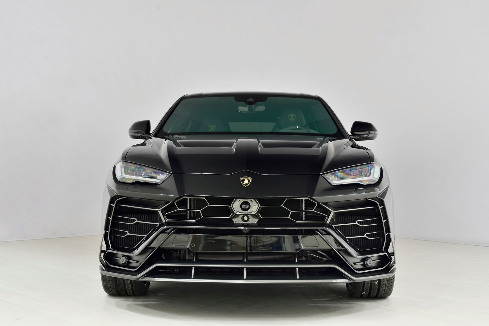 Lamborghini-Urus-by-SCL-Performance-2