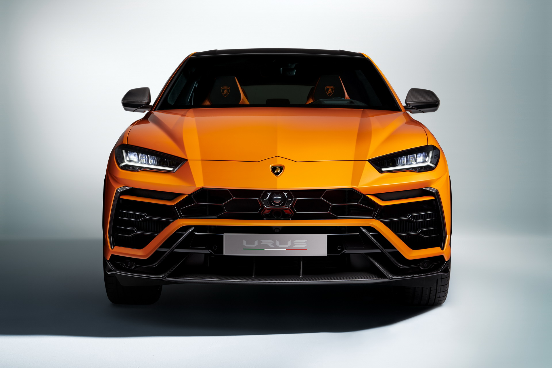 Lamborghini-Urus-Pearl-Capsule-Edition-14