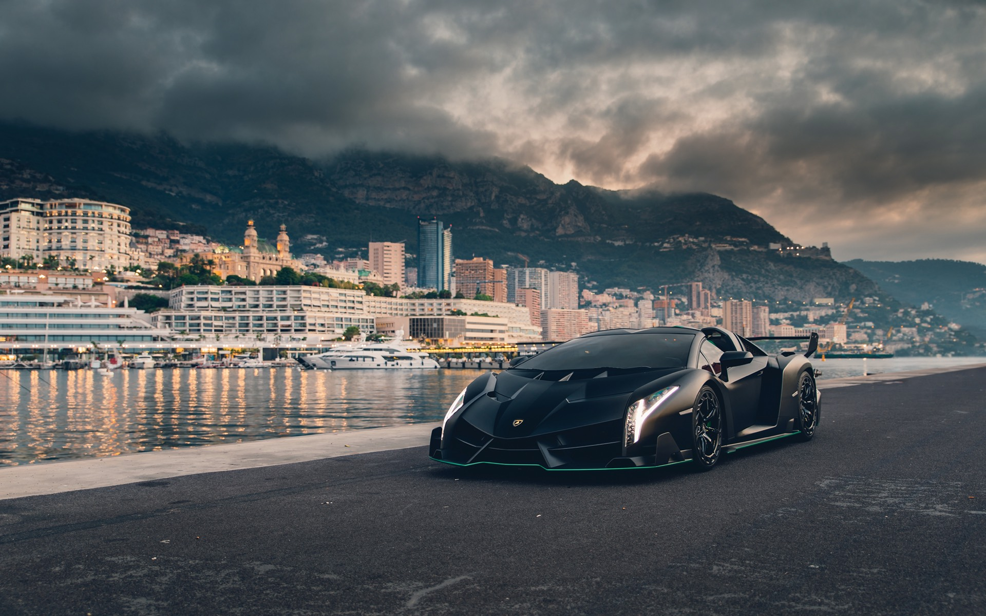 Lamborghini-Veneno-Roadster-auction-2