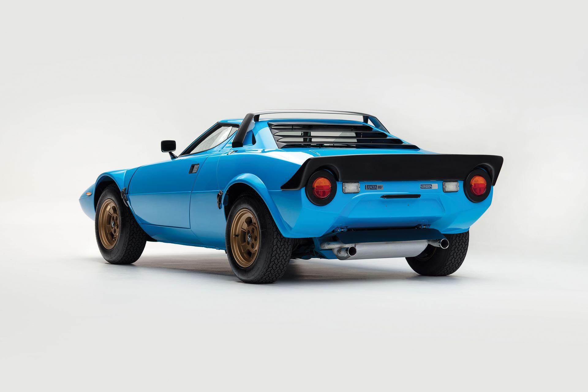 1975-Lancia-Stratos-HF-Stradale-by-Bertone_1