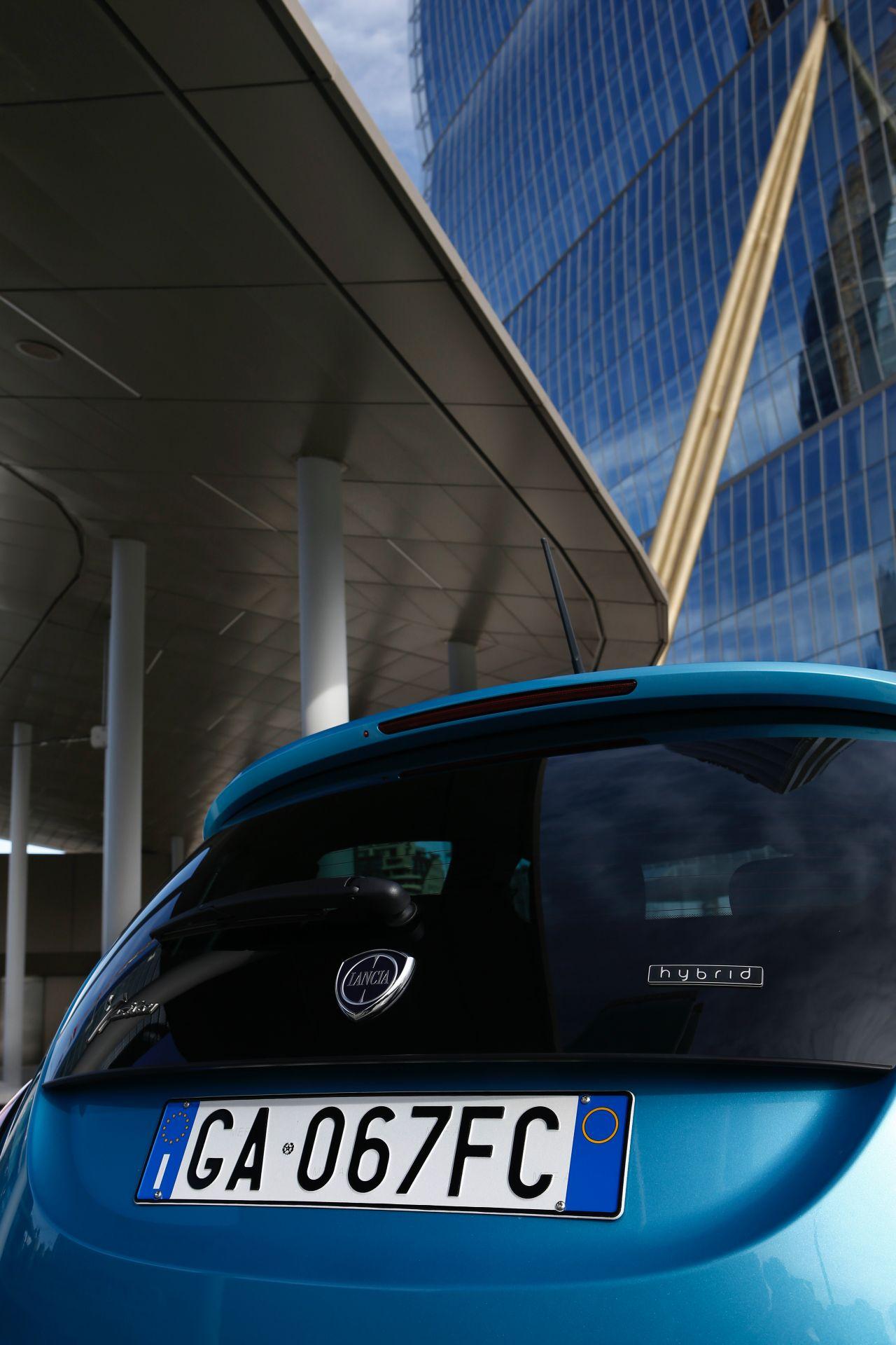 Lancia_Ypsilon_Hybrid_EcoChic_0010