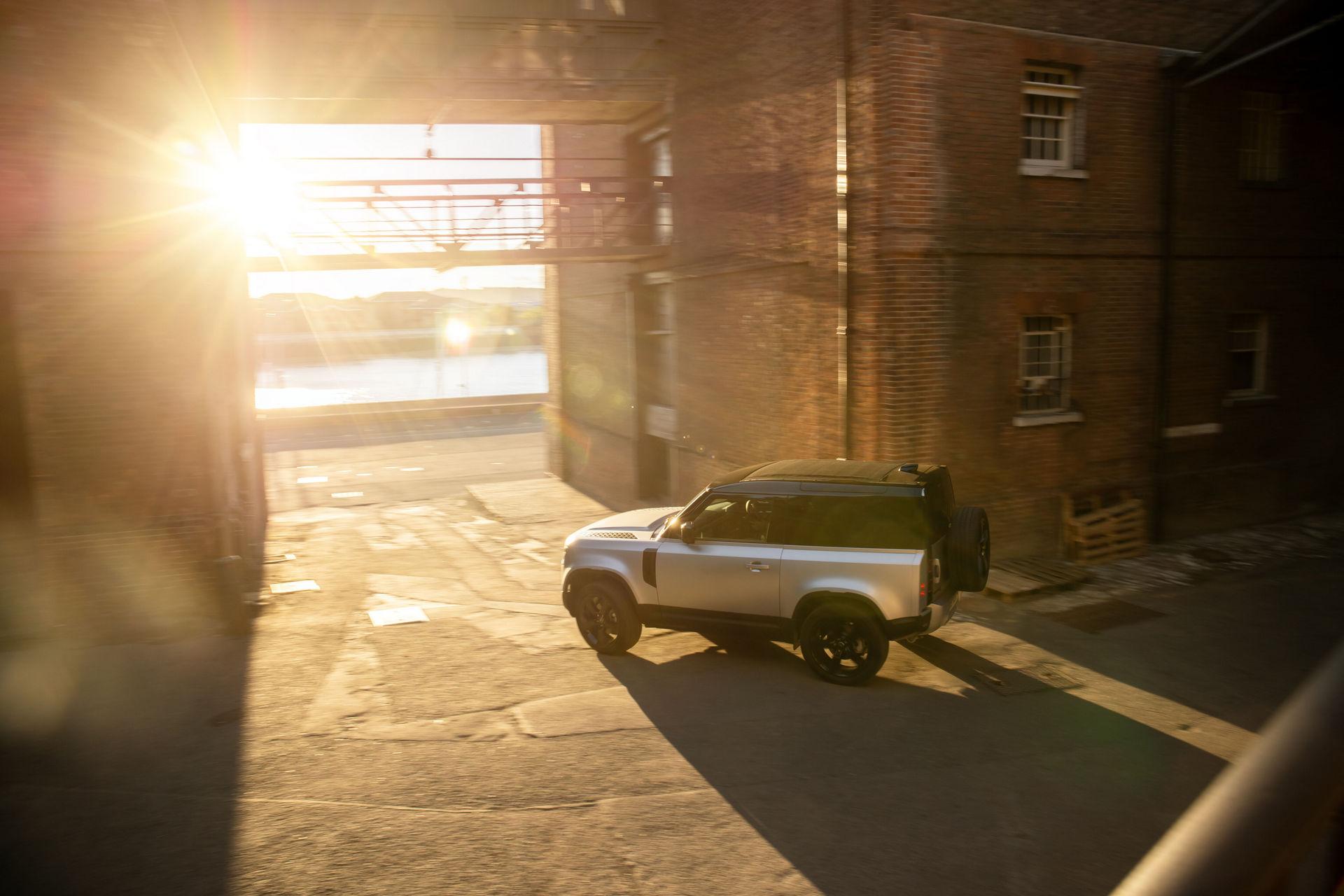 2021-Land-Rover-Defender-13