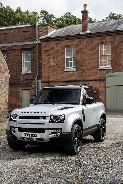 2021-Land-Rover-Defender-16