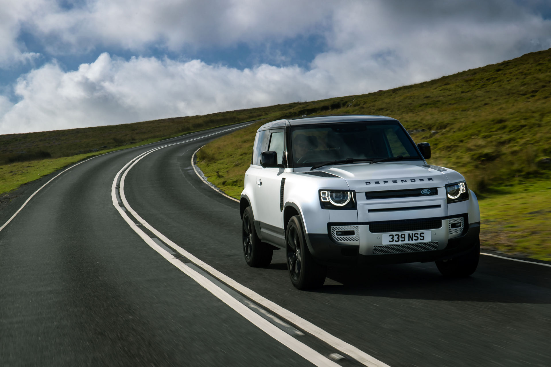 2021-Land-Rover-Defender-19