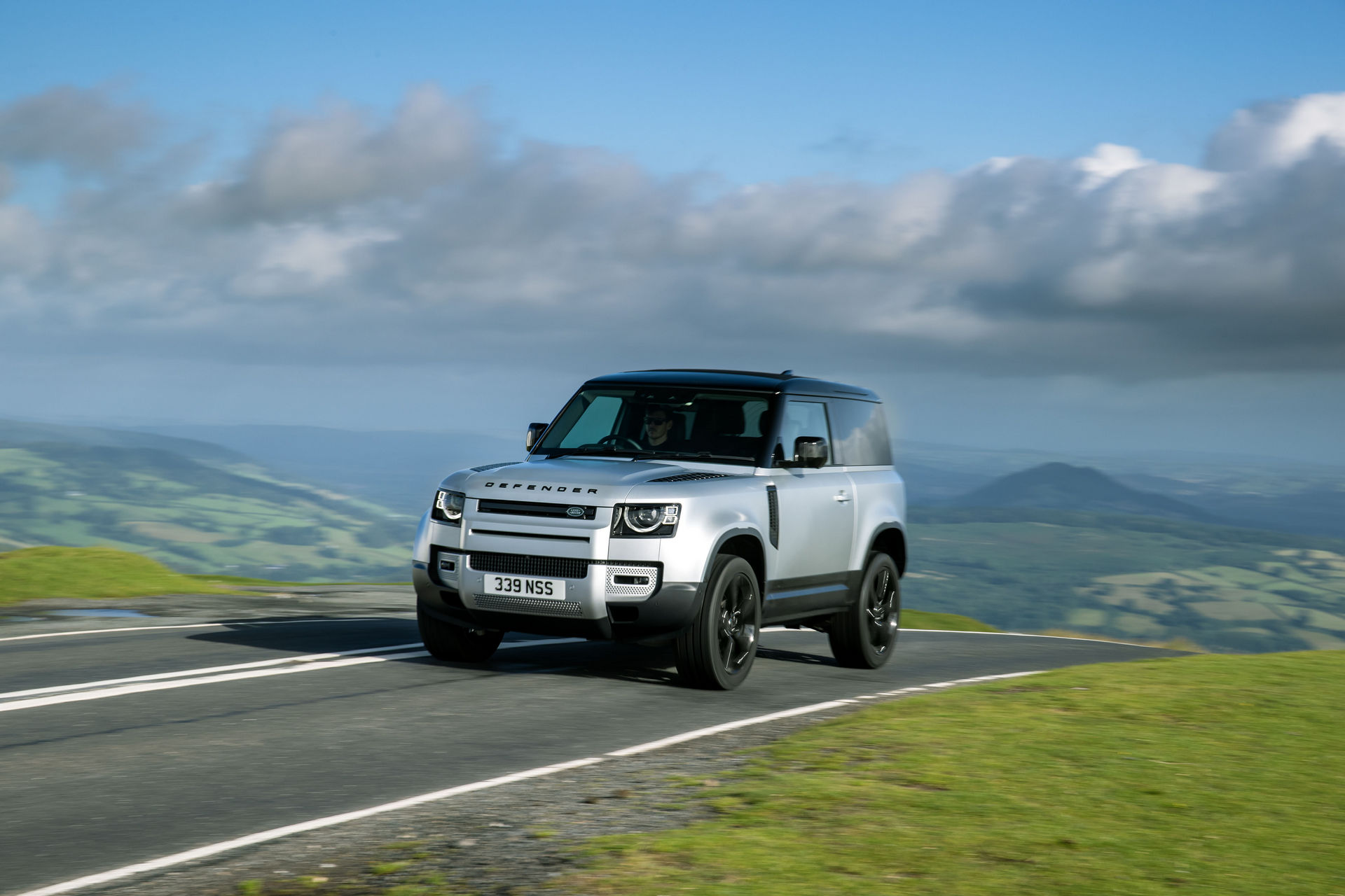 2021-Land-Rover-Defender-21