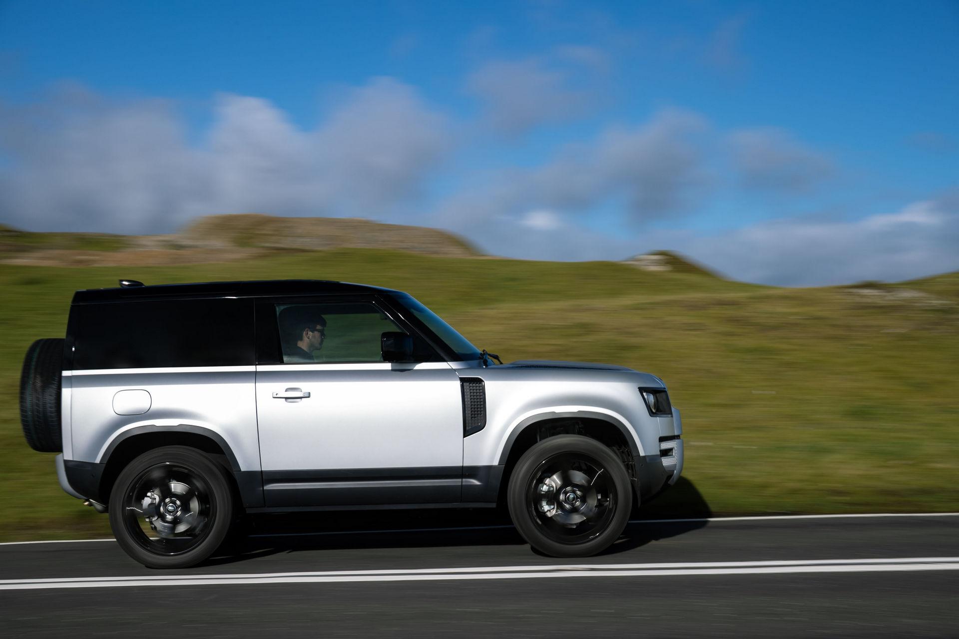 2021-Land-Rover-Defender-23