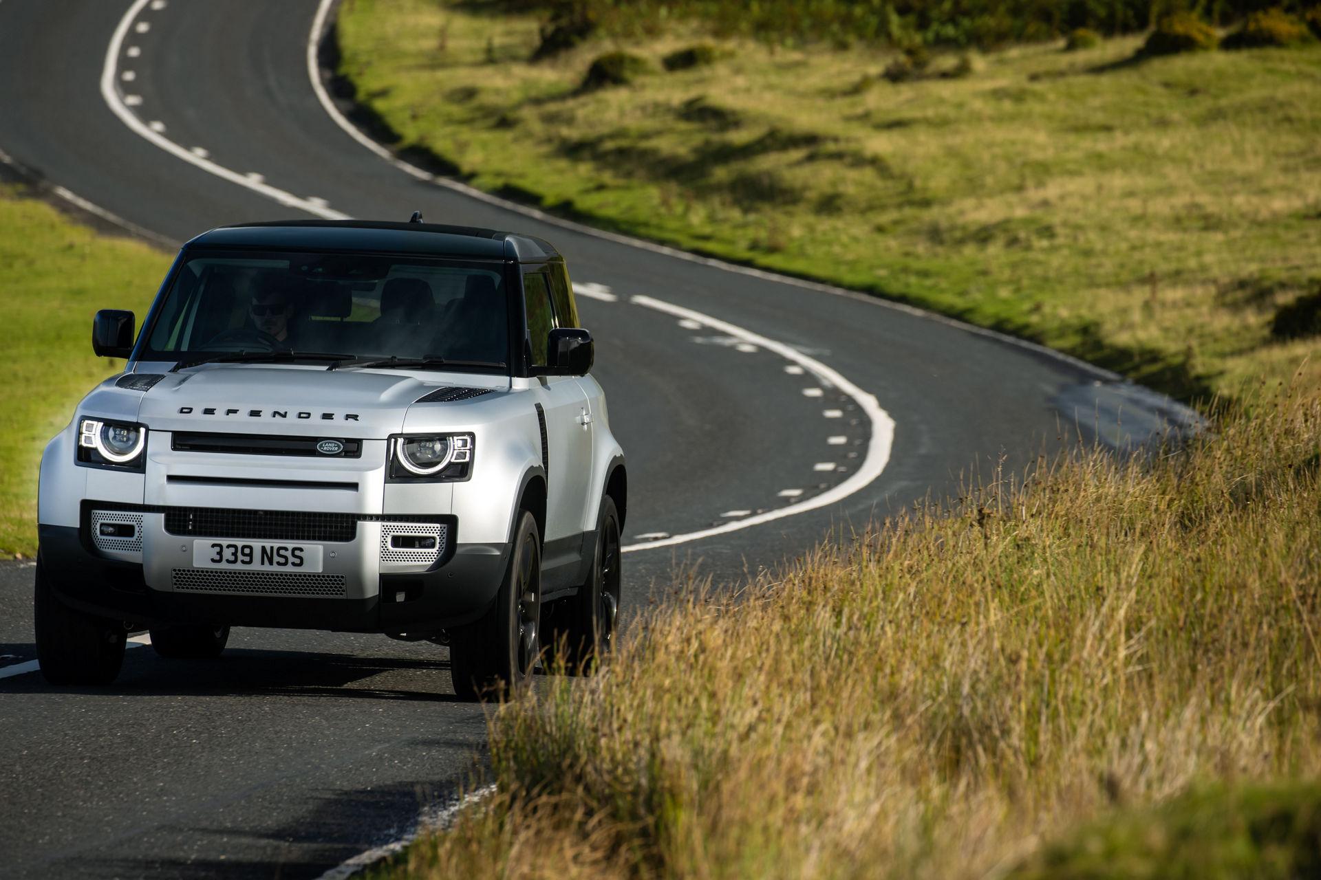 2021-Land-Rover-Defender-24