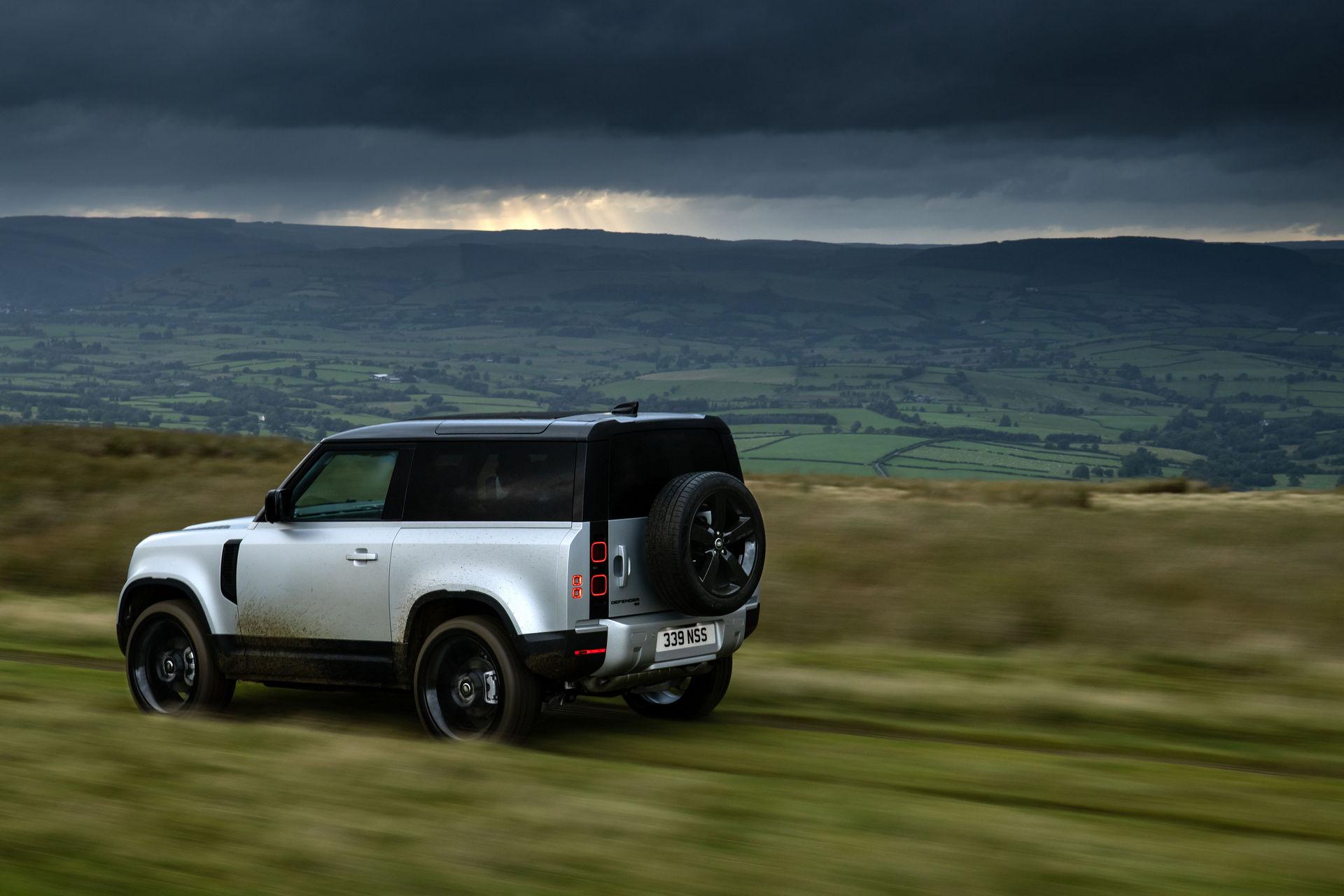 2021-Land-Rover-Defender-25