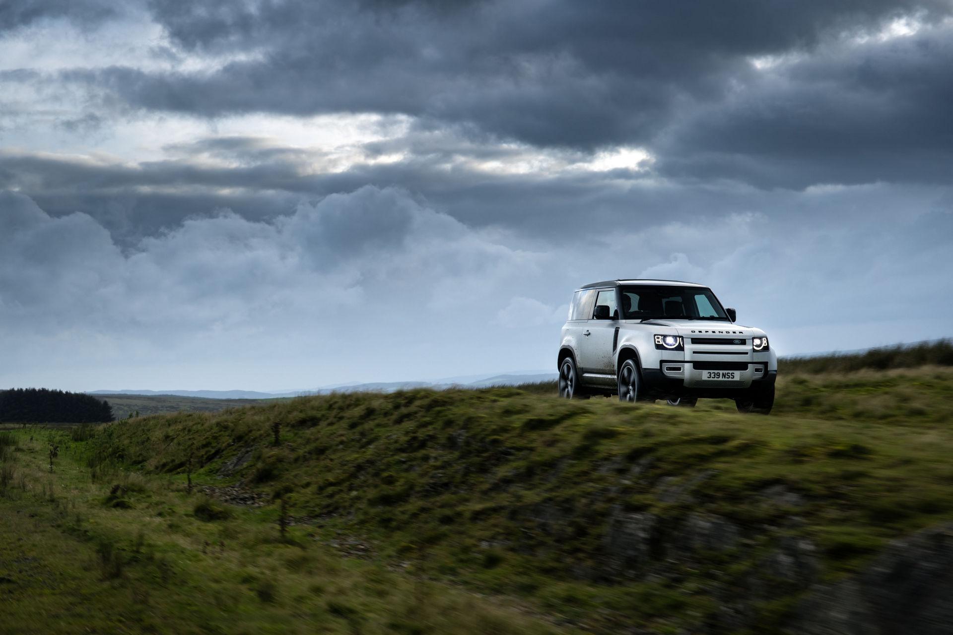 2021-Land-Rover-Defender-27
