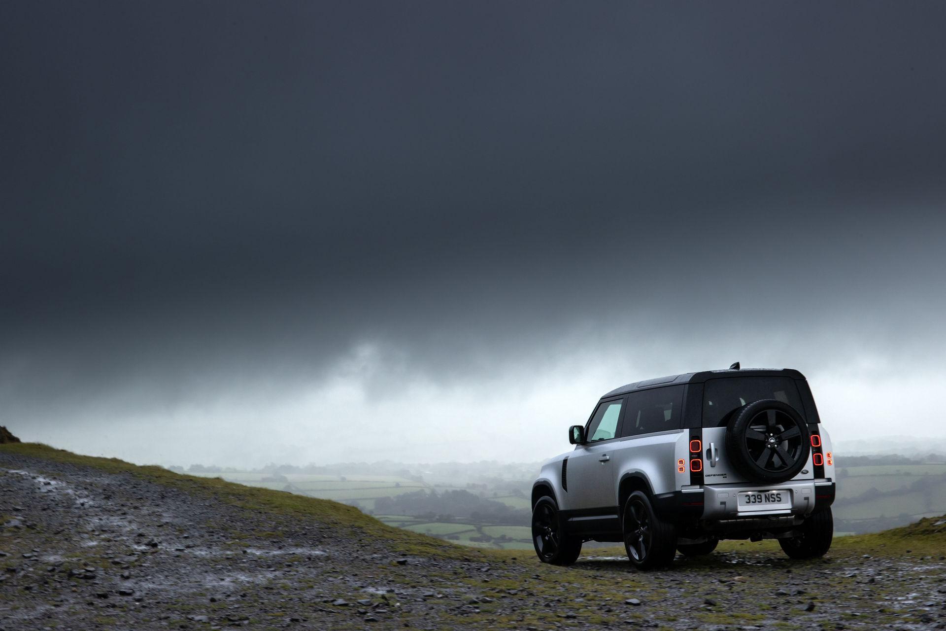2021-Land-Rover-Defender-28