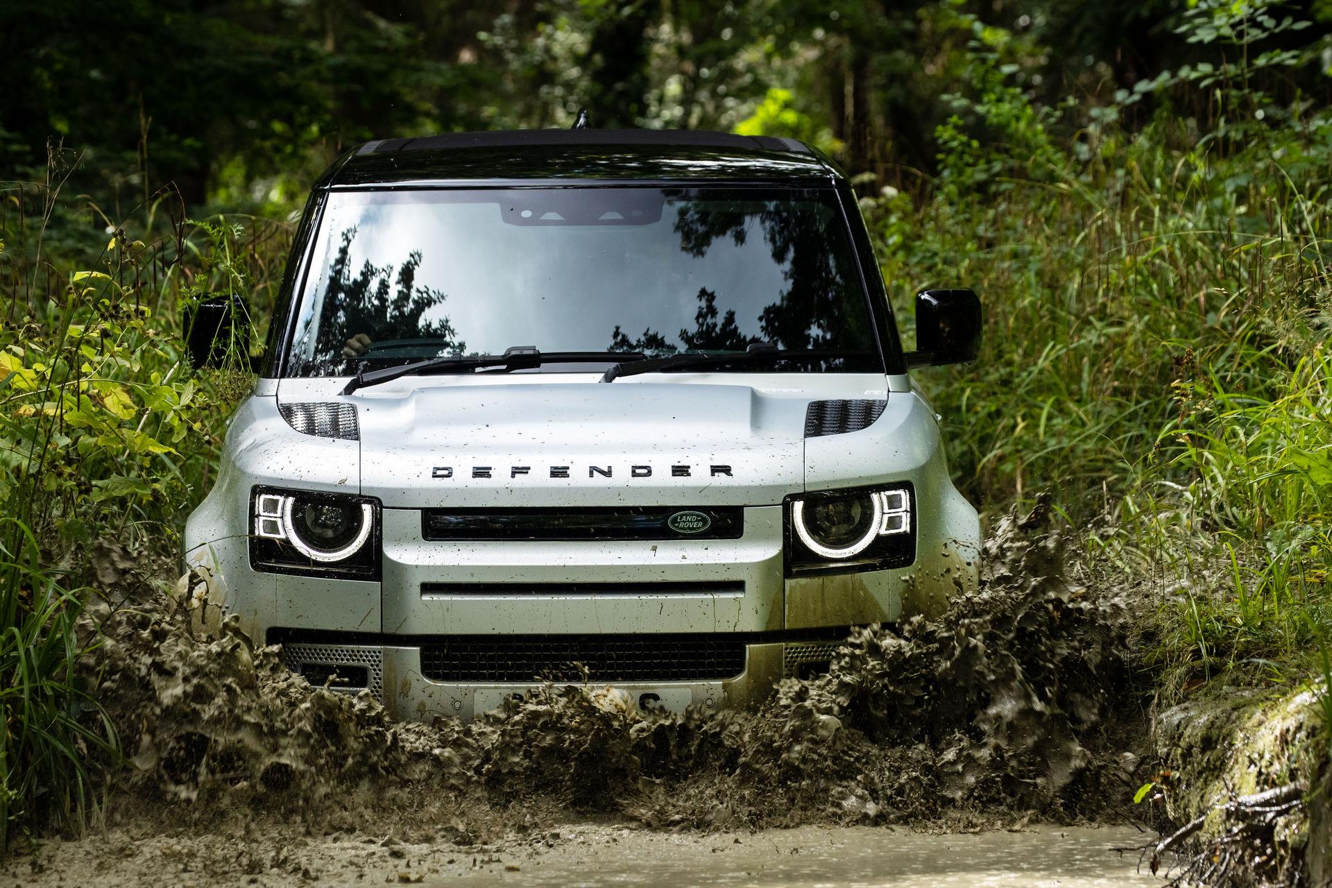 2021-Land-Rover-Defender-29