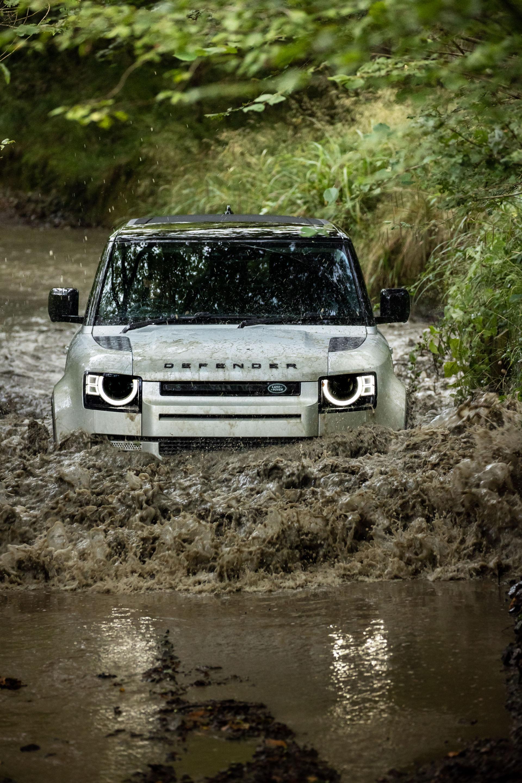 2021-Land-Rover-Defender-31