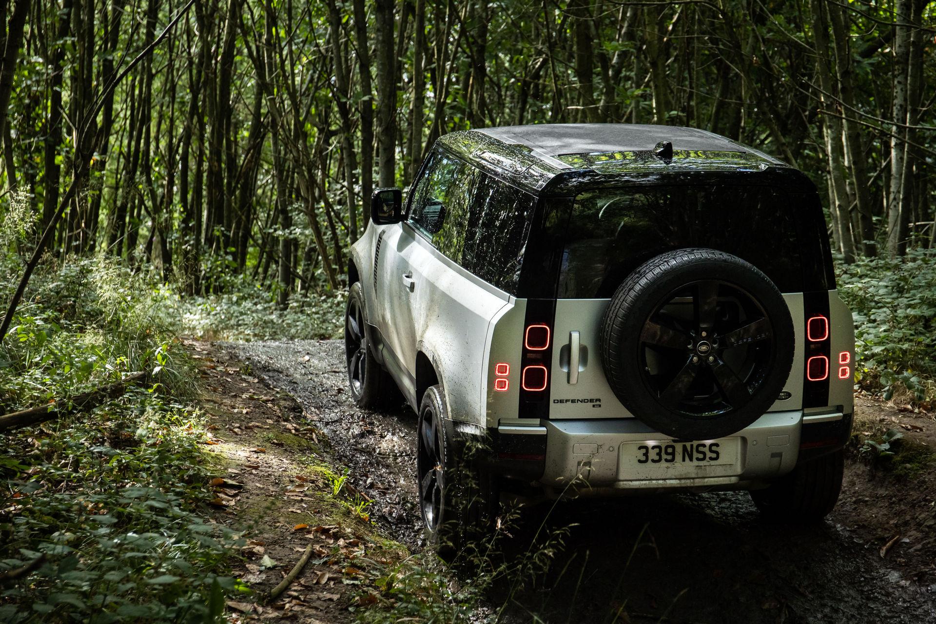 2021-Land-Rover-Defender-34